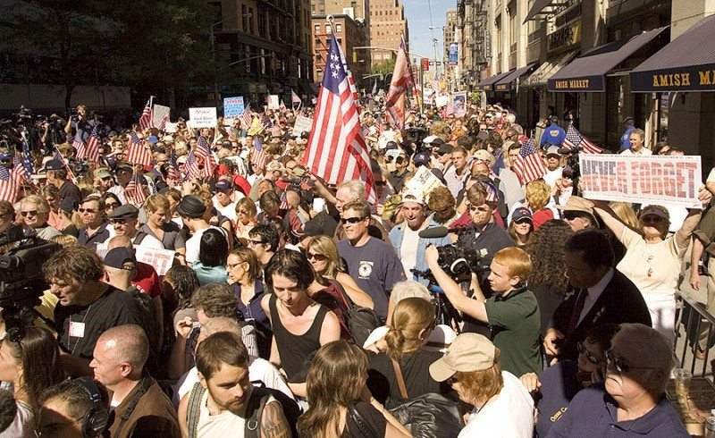 img Source: http://wakeup-world.com/wp-content/uploads/2011/08/American-Protest.jpg
